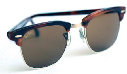 óculos em canela
