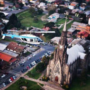 Catedral de Pedra em Canela, que também recebe decoração especial para o Sonho de Natal