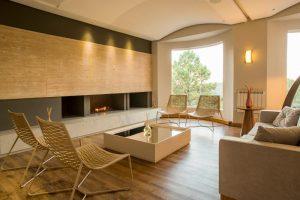 Opções de hotéis no centro de Gramado. foto fa recepção do hotel laghetto allegro siena