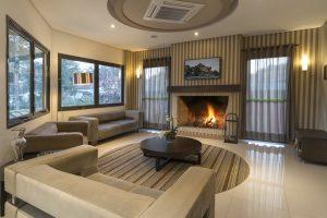 Opções de hotéis no centro de Gramado. lobby do hotel laghetto vivace viale